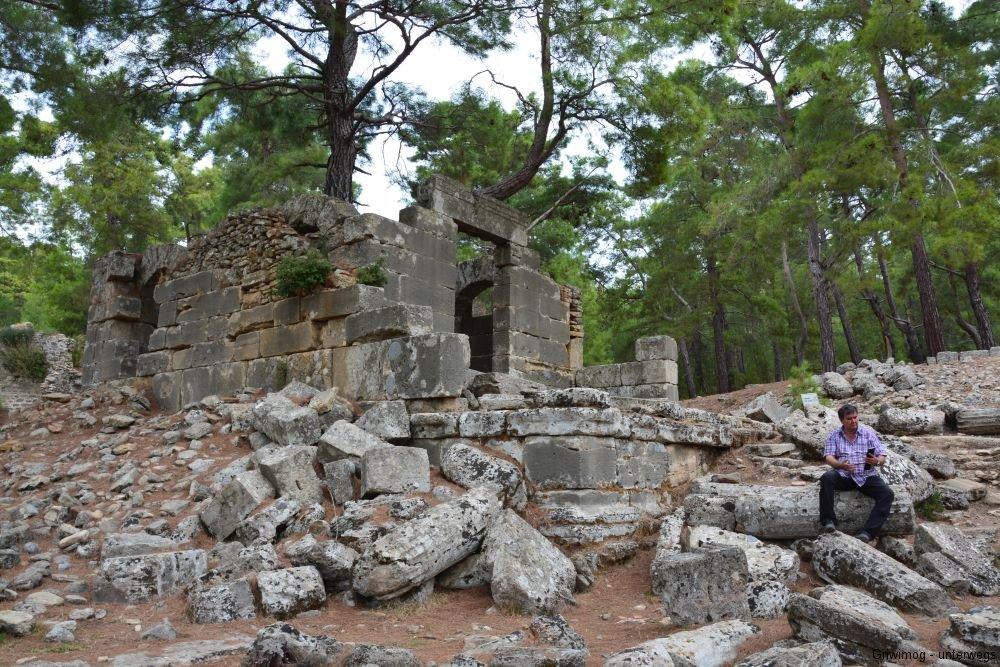 161114-35-seleukia-tempel